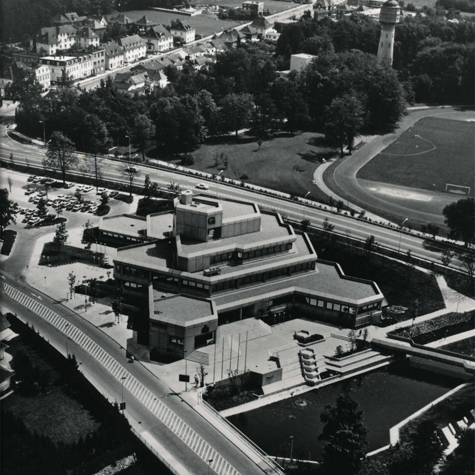 Harald Deilmann: Rathaus Gronau, 1969-1975 - Foto: Baukunstarchiv NRW, Nachlass Harald Deilmann