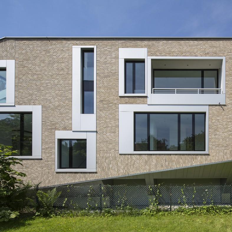 Münster: Wohnhaus Kleimannstraße (Architekturwerkstatt Mennemann, Heithoff, Schnoklake, 2013) - Foto: Roland Borgmann