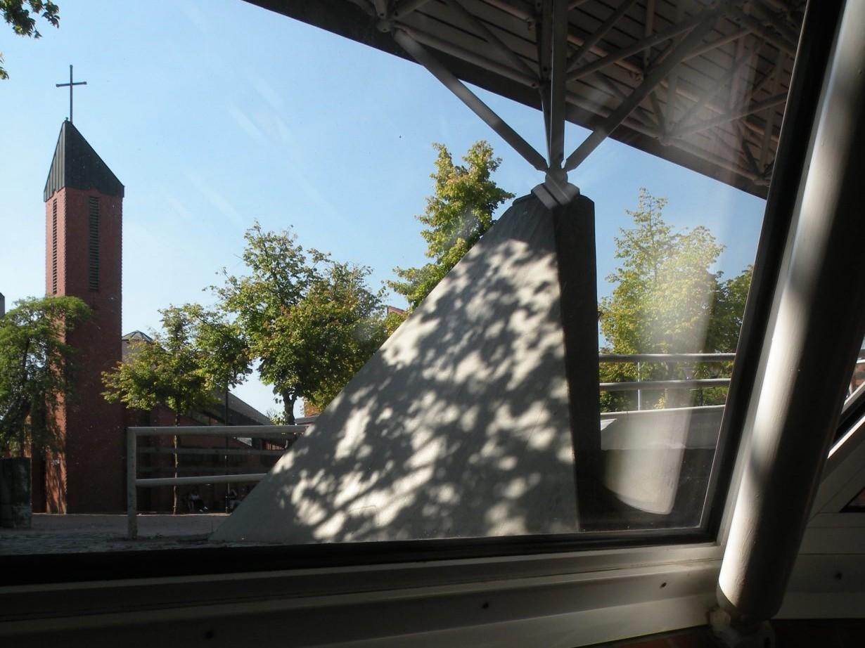 Kinderhaus: Bürgerzentrum mit Markuskirche - Foto: Stefan Rethfeld