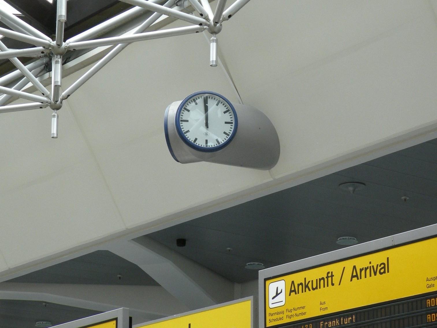 Flughafen Berlin-Tegel (von Gerkan, Marg u. Partner, 1965-74) - Foto: Stefan Rethfeld