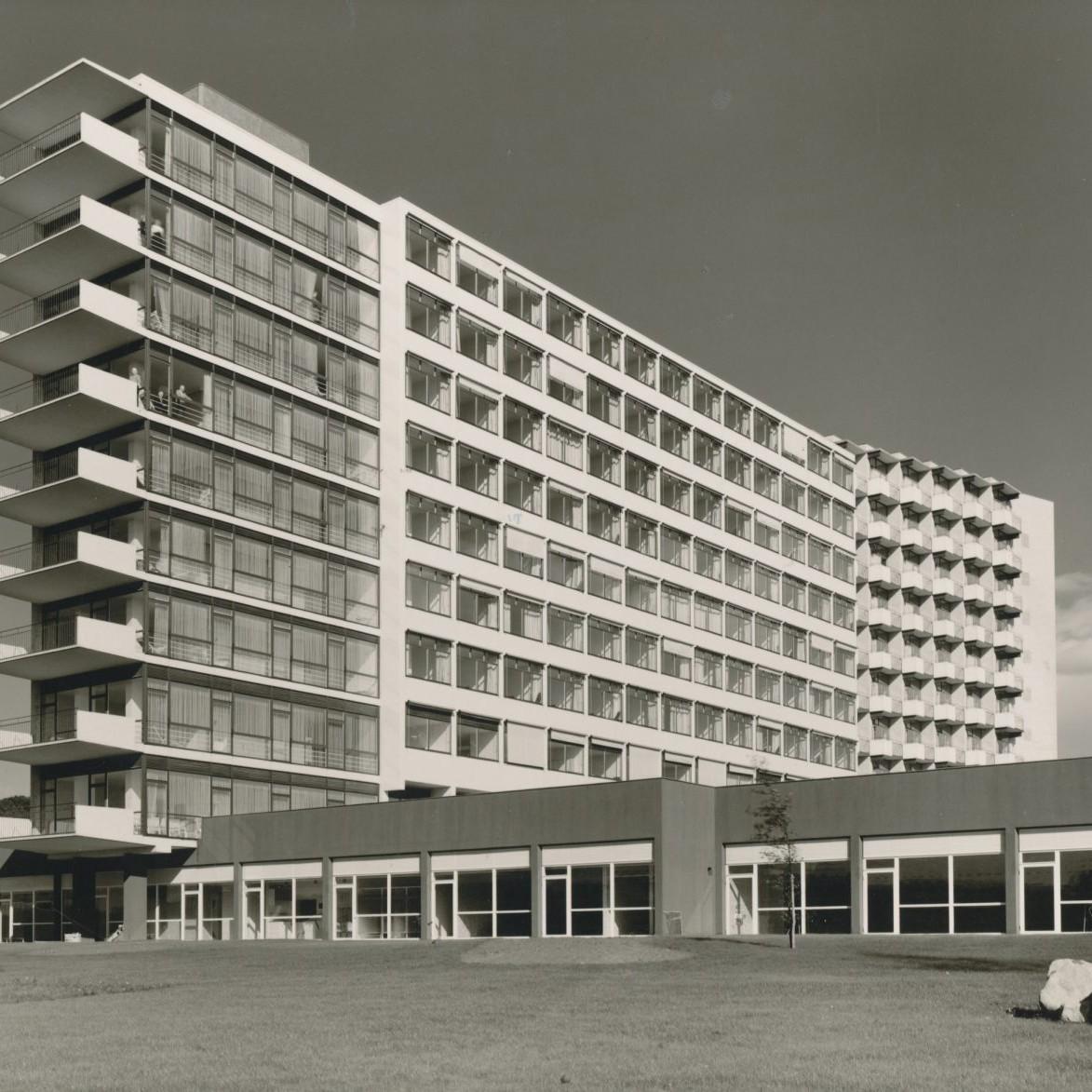 Harald Deilmann: Kurklinik Bad Salzuflen, 1953-1957 - Foto: Baukunstarchiv NRW, Nachlass Harald Deilmann
