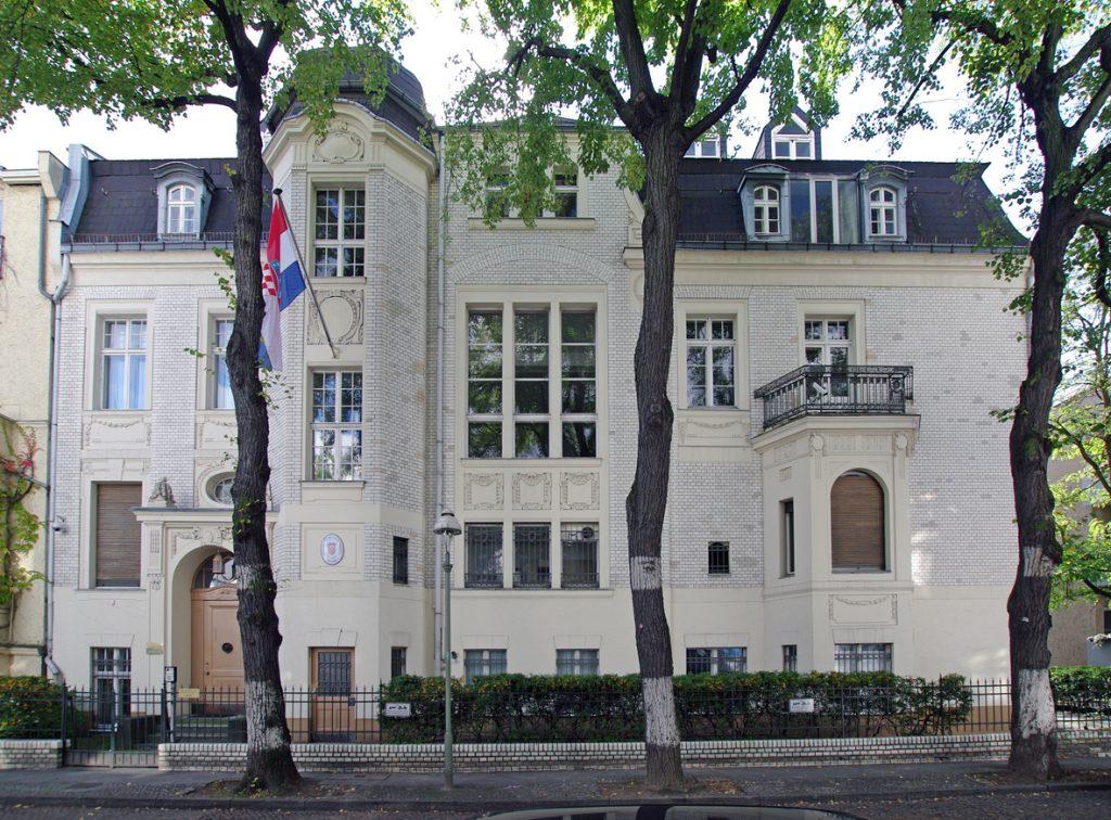 Einst als Villa Geisberg (1905/06) errichtet, heute Botschaft von Kroatien: Villa in der Schöneberger Ahornstraße 4, Berlin - Foto: Kroatische Botschaft Berlin