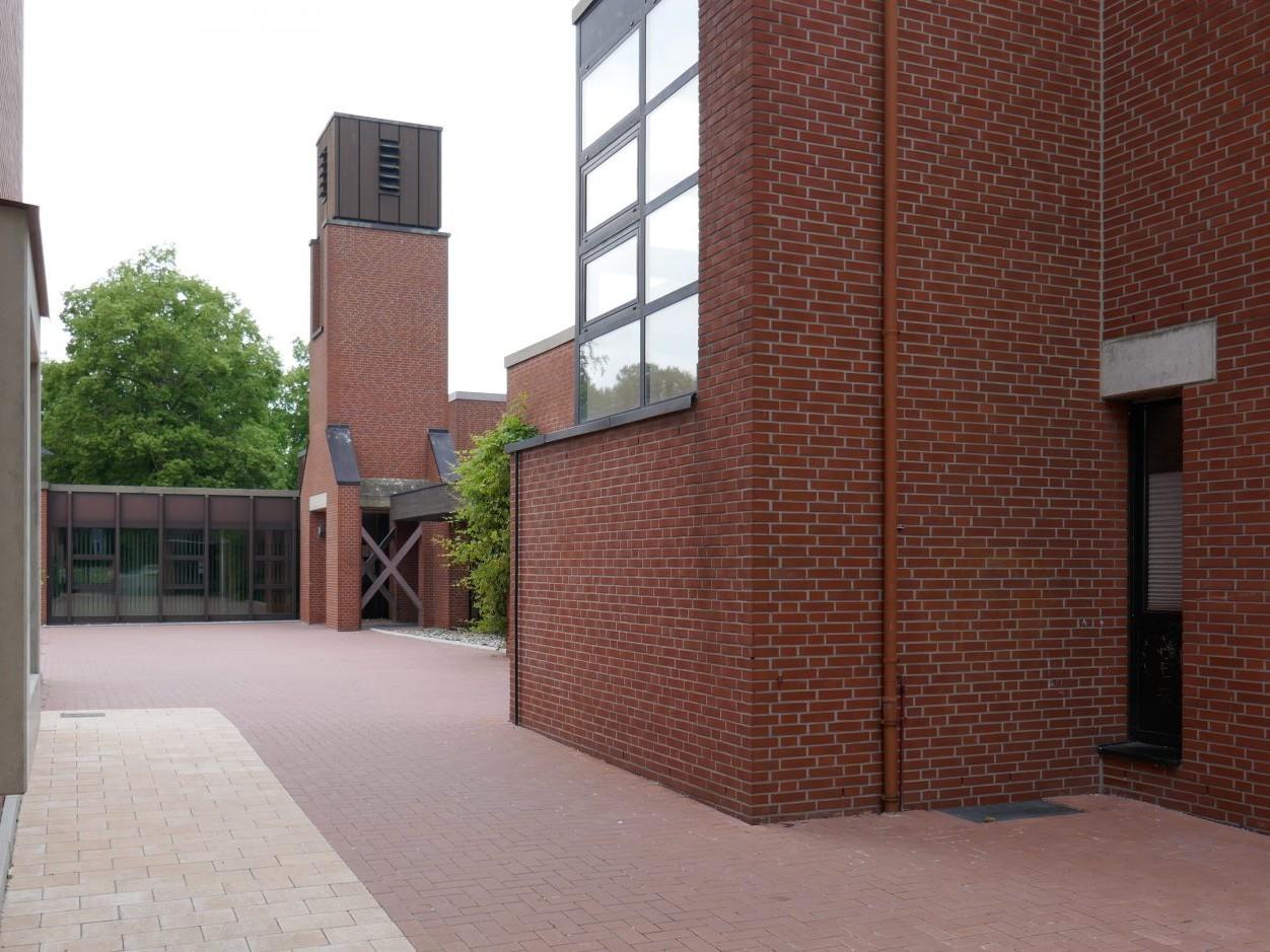 Münster vor Ort: Coerde - Andreaskirche (1970-1982, Architekt: Lothar Kallmeyer) - Foto: Stefan Rethfeld