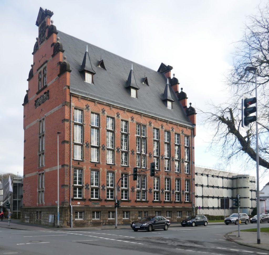 Eingangsbauwerk am Hörstertor: Staatsarchiv Münster (1886-88, Karl Friedrich Endell) mit Erweiterung (1973-76, Werner Heselhaus) - Foto: Stefan Rethfeld