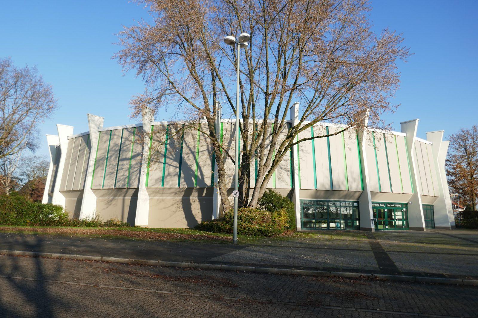 Rundsporthalle Wesel von 1972, nach der Sanierung - Foto: Stefan Rethfeld
