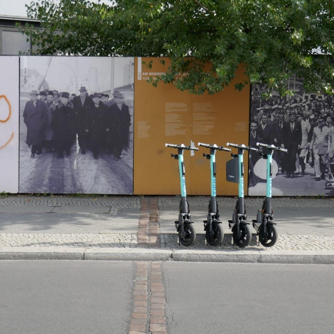 Berlin: Checkpoint Charlie - Foto: Stefan Rethfeld