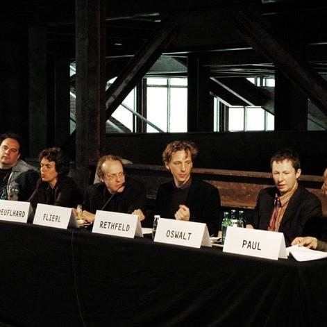 Zwischen Palast Nutzung Berlin, Pressekonferenz 27.07.2004 - Foto: Tor Seidel