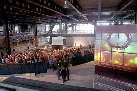 """Architekturkonferenz """"Fun Palace"""" im Palast der Republik Berlin, 2004 - Foto: Dirk Baltzer"""
