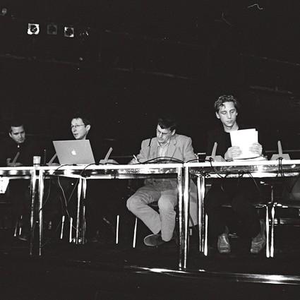 Fun Palace, Architekturkonferenz im Palast der Republik - Philipp Misselwitz, Philipp Oswalt, Andreas Ruby, Stefan Rethfeld - Berlin 2004 - Foto: Aiette Wiechmann-Shagal