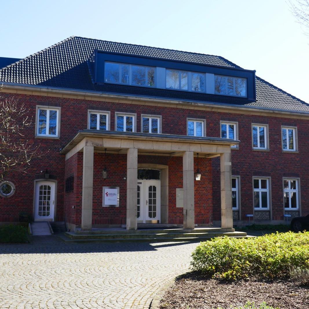 19 Pius-Höfe mit Villa Hahn - Foto: Stefan Rethfeld