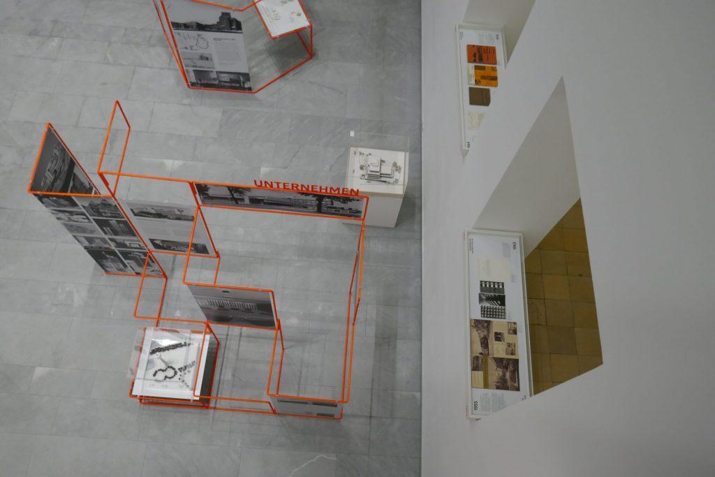 Baukunstarchiv NRW: Harald Deilmann - Lebendige Architektur - Ausstellung im Lichthof - Foto: Stefan Rethfeld